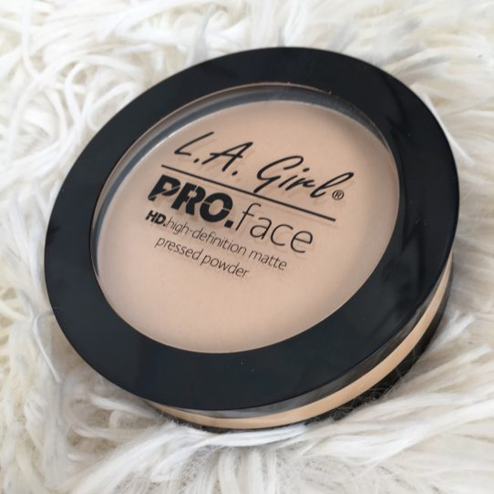 Columns by Kari LA Girl Pro Face powder