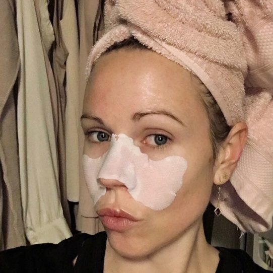 Columns by Kari Porefessional Instant Wipeout Mask 2