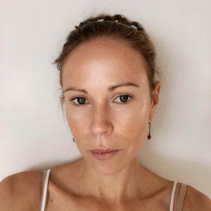 Columns by Kari Summer Glow Makeup Routine 7