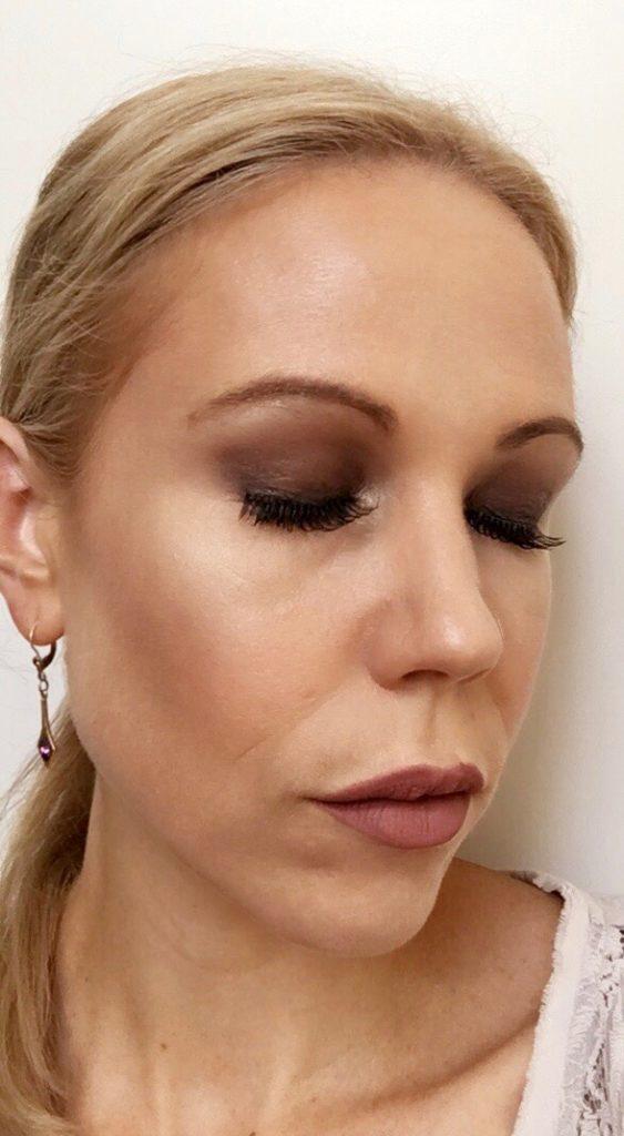 Columns by Kari Smokey Eye Makeup Routine 11